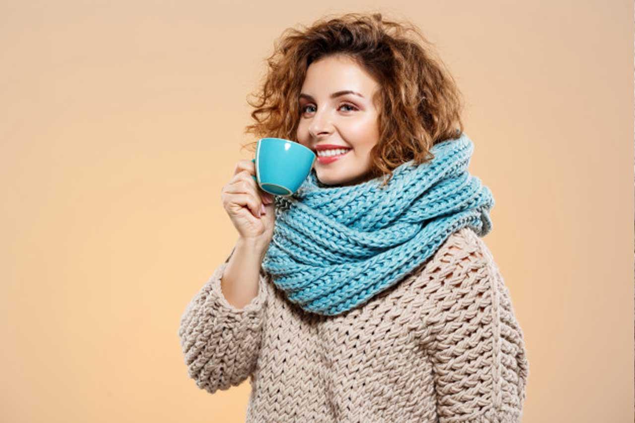 Cara Memakai Sweater Rajut Yang Elegan